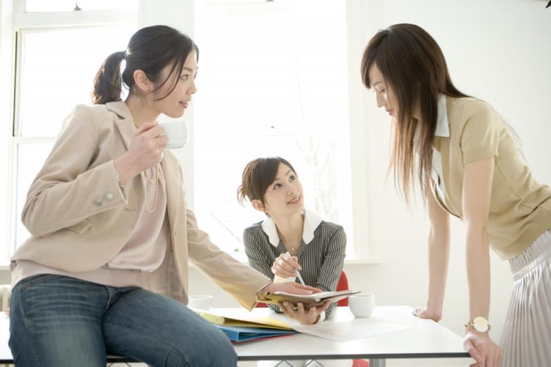 """应届学生要当心暗藏隐患的""""先就业,后择业"""""""