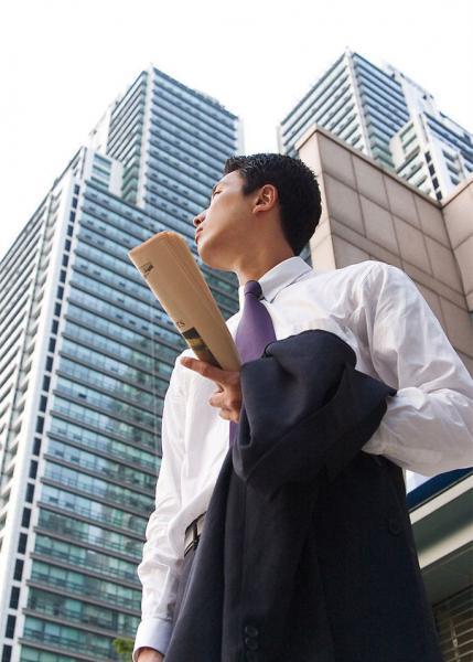 陈东东:从保安到证券公司经理的逆袭